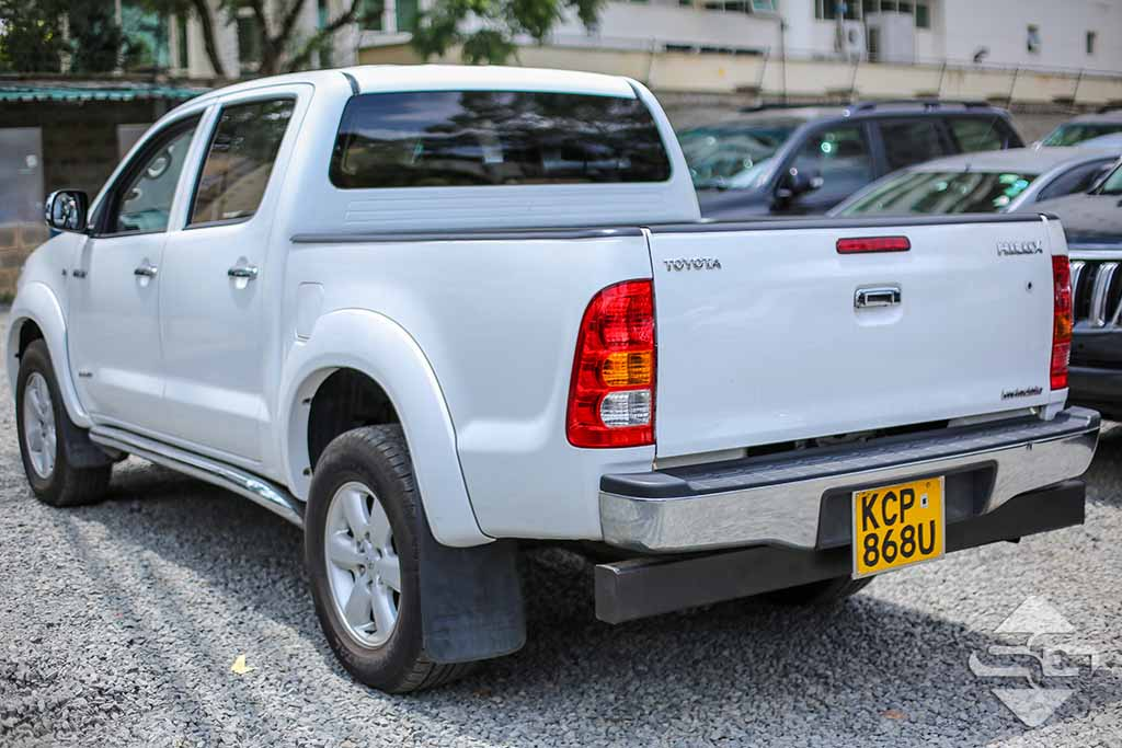 2011 White Automatic Toyota Hilux Invincible for sale